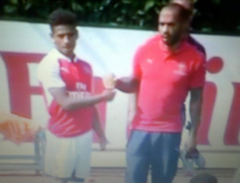 Henry with goalscorer Reiss Nelson. (Image: John Dunn)