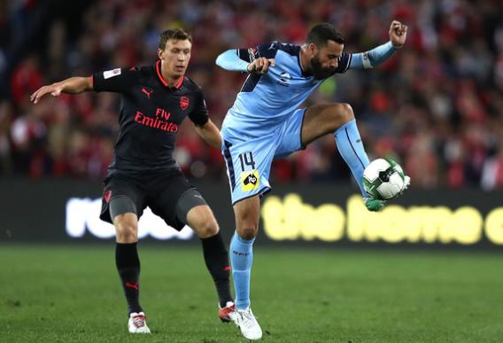 2017-07-15 13_01_31-Krystian Bielik Photos Photos - Sydney FC v Arsenal - Zimbio