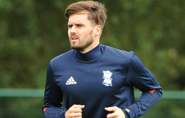 2017-12-03 19_51_40-Carl Jenkinson back in training for Blues
