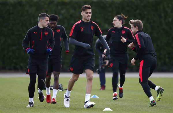 Konstantinos+Mavropanos+Arsenal+Training+Session+pLas9-6wu3al
